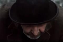 Johnny-Murphy-interpreta-Estragone