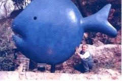 lo scultore Remi Pesce